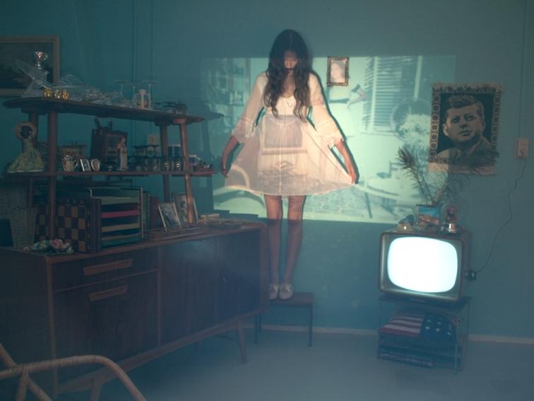 11a Moïbe Cosster - wardrobe & props