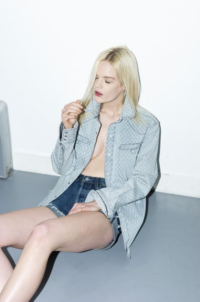 1a Moïbe Cosster - wardrobe & props