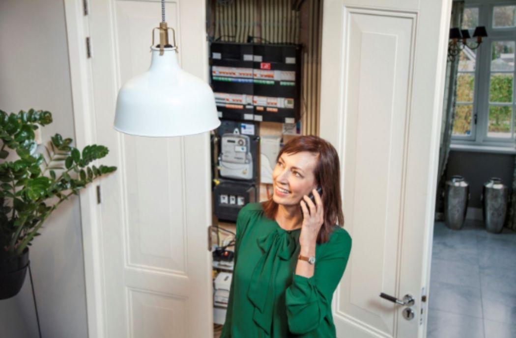 6a Moïbe Cosster - wardrobe & props