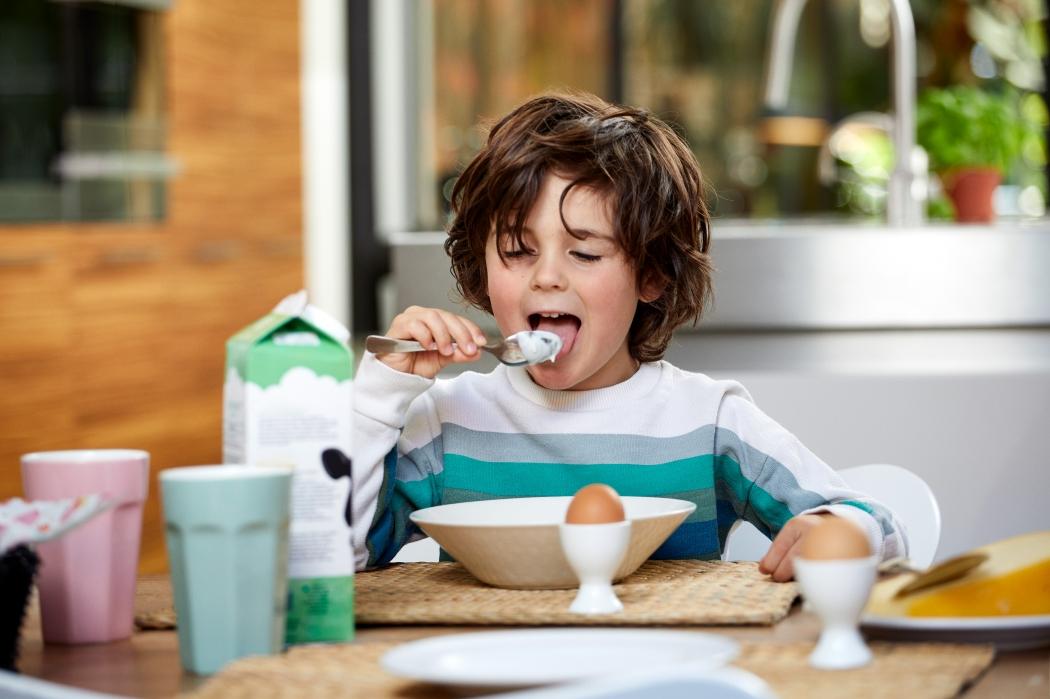 Boy eating breakfast 810a6352 srgb