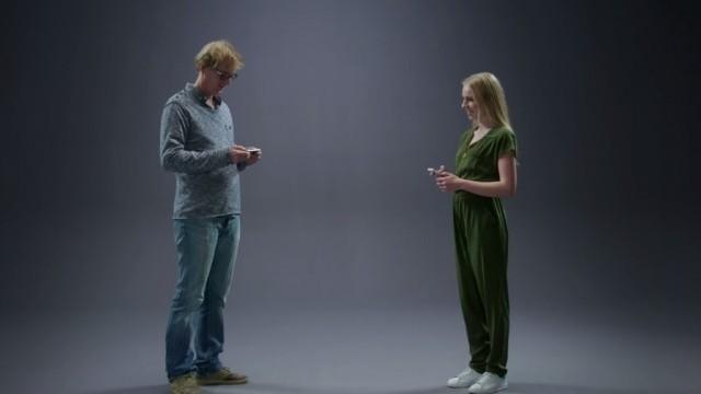 Ellen van Exter - WhatsApp conversation Father & Daughter